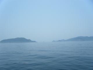 左が大築海島・右が答志島